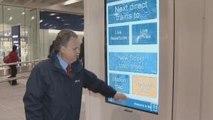 'Digital signage Monitor dotykowy w akcji - stacja Birmingham New Street'
