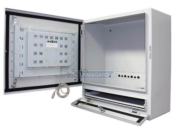 Dotykowy panel sterowania na linię produkcyjną otwarty