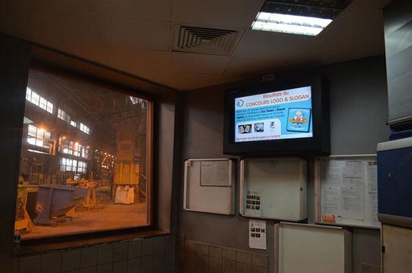 Digital Signage na hali produkcyjnej
