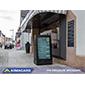 Jak przyciągnąć klientów do kawiarni, stosując przenośny totem LCD zewnętrzny