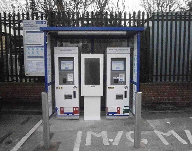 Digital signage na parking może być używany  w części zapłaty za parking